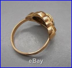Ancienne bague en or 18 carats sertie de saphirs blanc