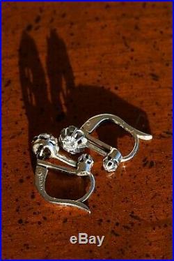 Anciennes boucles d'oreilles or blanc et diamants, trembleuses