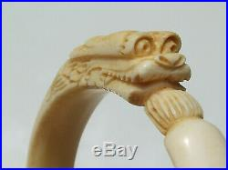 BEAU BRACELET ANCIEN avec TÊTE DE DRAGON CHINOIS SCULPTE / Dt int 6,3cm x 6,6cm