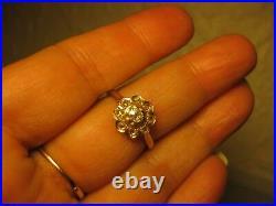 Bague Fleur Ancienne En Or Jaune 18k Sertie De Diamants