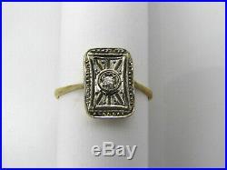 Bague ancienne Art Déco or 18 K Fin décor avec un petit diamant au centre T. 54