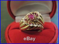 Bague ancienne massive or 18 carats et rubis