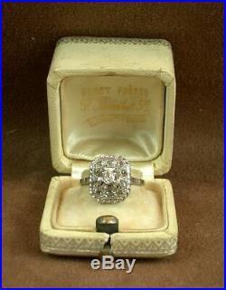 Belle Bague Ancienne En Or Gris 18k Et Platine Pavée De Diamants