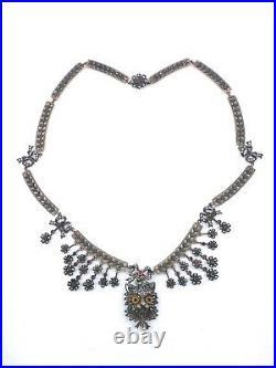 Coller draperie ancien argent perles, grenats pendentif chat yeux sulfure XIXe