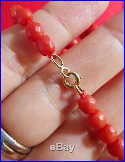 Collier ancien perles facettées en corail en or massif / 35cm
