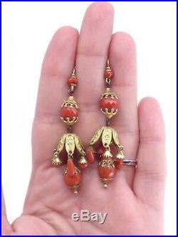 Importants pendants doreilles anciens en pomponne et perles de corail XIXeme