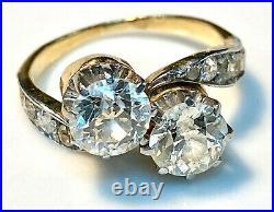 Magnifique bague ancienne or 18 carats Toi et moi en diamants 2,40 carats