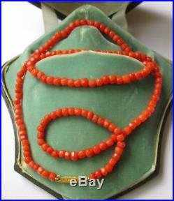 Magnifique collier ancien XIX ème Corail facetté Fermoir or 18 carats 750