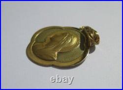 Médaille pendentif ancien trèfle porte bonheur Vierge or 18 carats French 750
