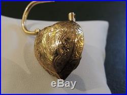Pendentif ancien'coeur'- cadenas or 18 carats et camée en corail, pièce unique