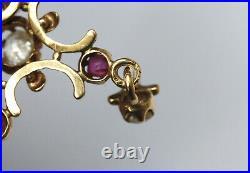 Pendentif, croix ancienne en or jaune 18K, rubis et diamants