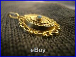 Petit pendentif ancien en or 18 carats turquoise