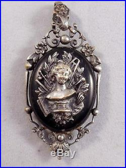 Superbe ancien pendentif medaillon reliquaire Napoléon III XIXeme