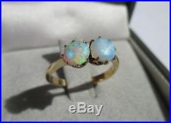 Très belle bague ancienne Deux opales Or massif 18 carats 750