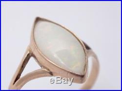 Très jolie bague ancienne en or 14k et opale T53