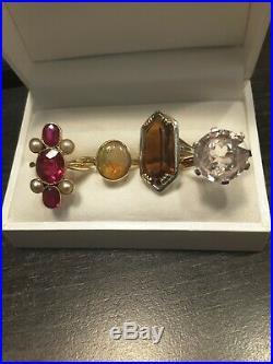 Très jolie et ancienne bague en ort 18carats sertie pierres rouge et perles